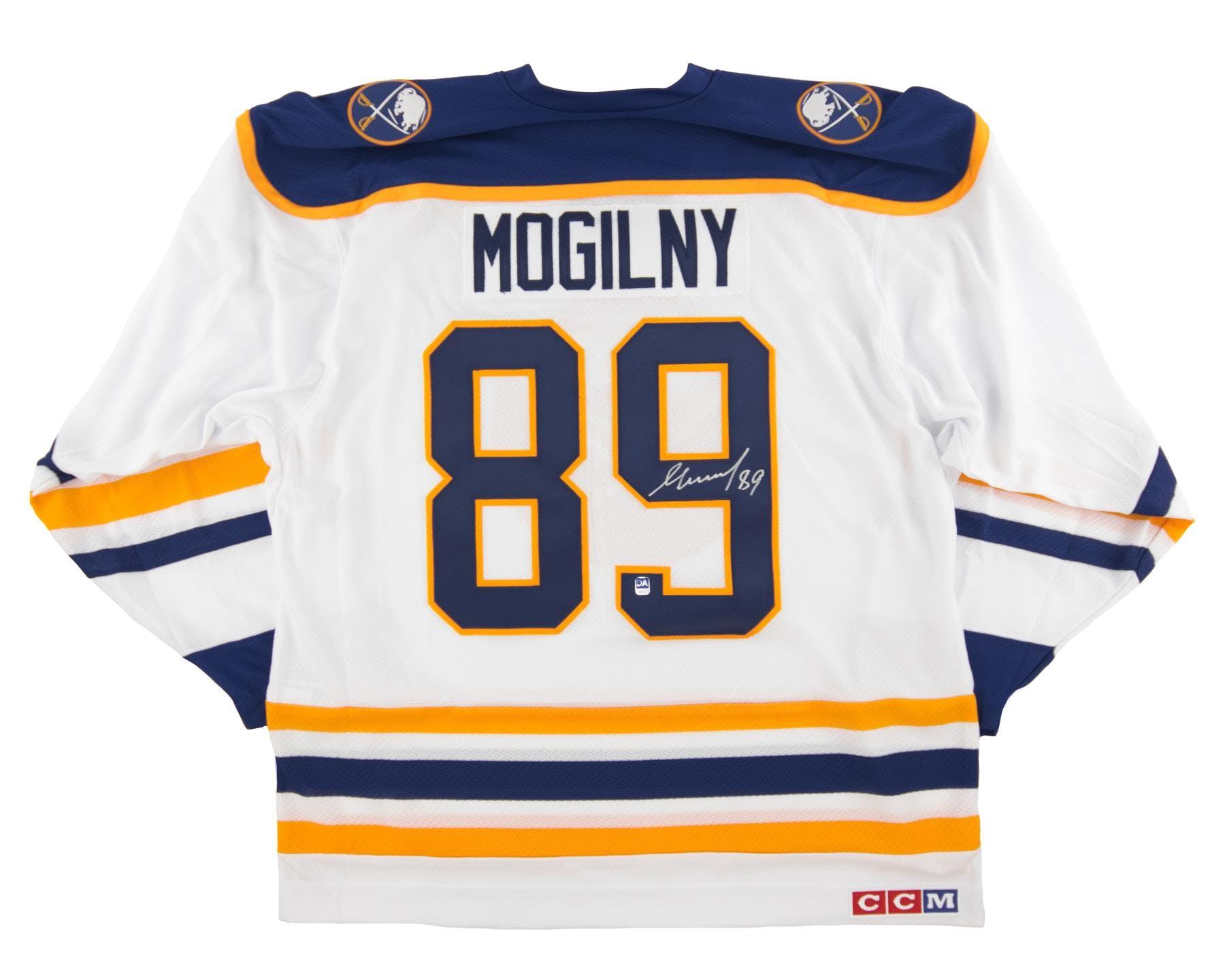 ... Alexander Mogilny Autographed Buffalo Sabres Large White Hockey Jersey  ... f21ba43c7
